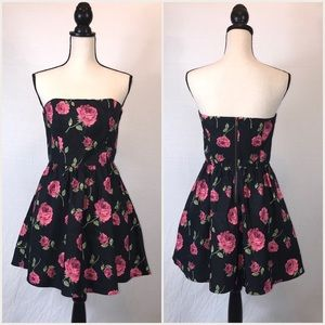 FOREVER 21 Strapless Black Rose Print Formal Dress